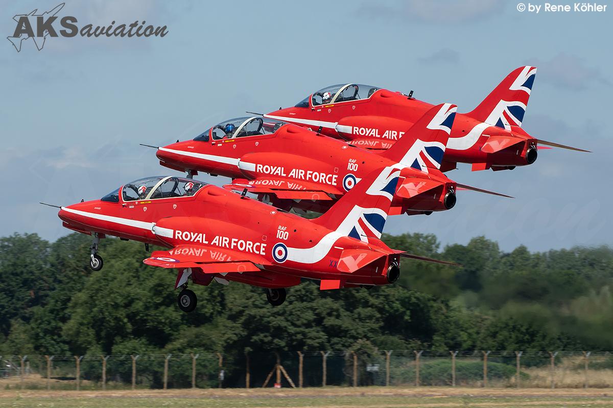 Red Arrows 001 aks